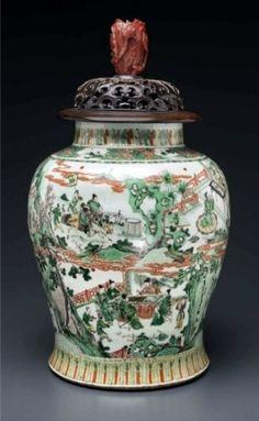 A large famille verte jar, guan, Kangxi period - Alain. Porcelain Vase, Fine Porcelain, Chinese Bowls, Chinese China, Chinese Art, Oriental Furniture, Ceramic Jars, Japanese Porcelain, Chinese Ceramics