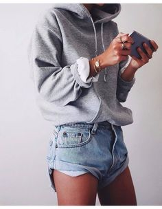 casual outfits for winter ; casual outfits for work ; casual outfits for women ; casual outfits for school ; casual outfits for winter comfy Mode Outfits, Fall Outfits, Fashion Outfits, Fashion Trends, Outfit Winter, Fashion Ideas, Lazy Day Outfits For Summer, Summer Outfits For Teen Girls Hipster, Winter Shorts Outfits