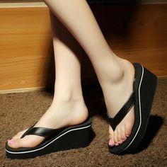 01a5a1de36eebc Summer Clip Toe Non-slip Slippers for Women Gold Slippers