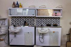 The shampoo bar is really very pretty.  Copyright: The Little Dollhouse Company
