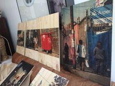 En proceso , serie bordes migrantes , fotografía digital sobre madera, Carolina Oltra
