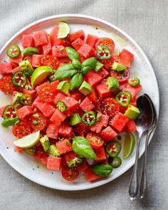 This Watermelon Tomato and Jalapeño Salad is a great summertime appetizer. Or try with grilled seafood for a main course! Watermelon Tomato Salad, Avocado Salad, Toasted Pumpkin Seeds, Grilled Seafood, Healthy Salad Recipes, Delicious Recipes, Healthy Snacks, Healthy Eating, Salad Ingredients