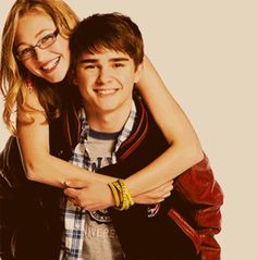 dylan everett and olivia scriven...aka maya and cam from degrassi...cutest couple EVER :)