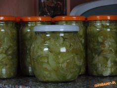 Vyborny salatik , ak neviete co s prerastenymi uhorkami, alebo mozte pouzit salatove, ja som tentora. Pickles, Cucumber, Mason Jars, Canning, Food, Essen, Pickle, Home Canning, Yemek