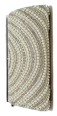 Pearl Clutch | LBV ♥✤ | BeStayBeautiful Beaded Clutch, Beaded Purses, My Style Bags, Fashion Accessories, Fashion Jewelry, Wraps, Shades Of Beige, Pearl Cream, Beautiful Handbags