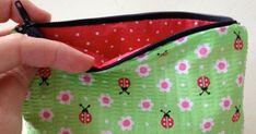 Blog de tutoriales de costura, crochet y manualidades. Decorando tu mundo de manera handmade, paso a paso para poder hacerlo juntos/as. Date Dresses, Types Of Dresses, Almost Always, Two Piece Outfit, Headbands, Coin Purse, Wallet, Sewing, Crochet