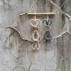 Macrame Wall Hanging Patterns, Macrame Plant Hangers, Macrame Bag, Macrame Knots, Macrame Patterns, Diy Easter Decorations, Handmade Decorations, Diy Ostern, Macrame Design