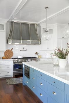 Traditional White Kitchen with a Pop of Blue, Blue Kitchen Island, Fresh Kitchen Trends That Will Stand The Test Of TIme Blue Kitchen Island, Blue Kitchen Cabinets, Kitchen Cabinet Colors, Oak Cabinets, Custom Cabinets, Home Design, Interior Design Kitchen, Studio Design, Bath Design