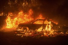 Cars burn as the Butte Fire rages through the Scotts Junction area near Mountain Ranch California on September 11 Noah Berger x Orange Aesthetic, Aesthetic Grunge, Aesthetic Beauty, Breathing Fire, Neil Josten, Jm Barrie, Apocalypse, California Wildfires, Rainbow Wall