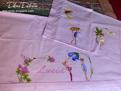 Napkins, Ideas, Painting On Fabric, Tejidos, Ballet Flats, Blue Prints, Colors, Manualidades, Dinner Napkins