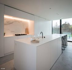 75 Stunning Minimalist Kitchen Decor and Design Ideas - InsideDecor Luxury Kitchen Design, Best Kitchen Designs, Luxury Kitchens, Modern House Design, Interior Design Kitchen, Cool Kitchens, Kitchen Decor, Voxtorp Ikea, Minimalist Kitchen