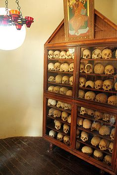 Moni Arkadi: Hall, where 1866 r. skulls are kept