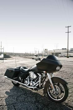 Road Glide custom – really want to buy one just like this. Road Glide custom – vous voulez vraiment en acheter un comme celui-ci. Harley Road Glide, Harley Davidson Road Glide, Harley Davidson Motorcycles, Vintage Motorcycles, Custom Motorcycles, Custom Bikes, Biker T-shirts, Biker Girl, Road Glide Custom