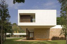 Brasilia House by Isay Weinfeld