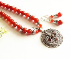 Great for your ethnic dress or jeans top too Gemstone Jewelry, Beaded Jewelry, Jewelry Necklaces, Beaded Bracelets, Jewellery, Ethnic Dress, Beading Ideas, Carnelian, Handmade Silver