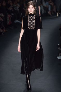 Valentino Fall 2015 Ready-to-Wear Fashion Show - Valery Kaufman (Elite)