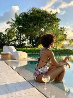 Calabash is an exclusive beach home situated in one of the most beautiful spots in the Caribbean. Your island paradise awaits you. Big Pools, Beautiful Islands, Daydream, Caribbean, Beach House, Most Beautiful, Website, Elegant, Check