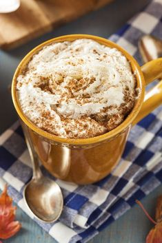 The perfect Fall beverage! This Crockpot Pumpkin Spice Hot Chocolate Recipe is perfect for autumn! Having it simmer in your slow cooker makes the house smell amazing too! Pumpkin Spice Hot Chocolate Recipe, Hot Chocolate Recipes, Coffee Recipes, Pumpkin Recipes, Drink Recipes, Sweets Recipes, Cafe Latte Recipe, Recipe For Mom, Yummy Drinks