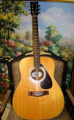Yamaha FG-335. A great guitar.