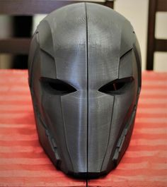 Futuristic Helmet, Futuristic Armour, Injustice 2, Robot Concept Art, Armor Concept, Helmet Design, Mask Design, Red Hood Helmet, Armadura Cosplay