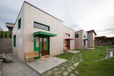 Right nearby the Hajdó house (formerly designed by our office), the same client wants to raise its pension's capacity by building a couple of pavilion apartments well integrated in the natural and builtenvironment. The 4 cabins were designed to ful