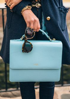 Oak73 giveaway on CGWP. Enter to win a $200 gift card that could apply to this bag featured here.