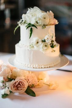 Chic two-tiered cake: http://www.stylemepretty.com/little-black-book-blog/2015/08/25/romantic-industrial-minneapolis-wedding-with-swedish-traditions/ | Photography: Geneoh - http://geneoh.com/