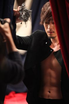So Ji Sub - Man of Many Talents. Possessor of squeal-inducing aesthetics. When a man's hot, he's hot