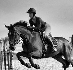 Meet Bella Hadid, Yolanda Foster's up-and-coming model daughter Bella Hadid, Gigi Hadid, Equestrian Boots, Equestrian Outfits, Equestrian Style, Gisele Bündchen, English Riding, Horse Photography, Horse Girl