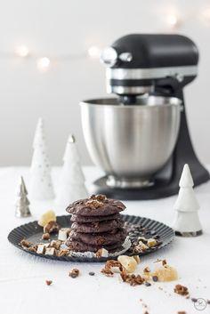 Soft Chocolate Chip Cookies mit Lebkuchenstückchen und kandiertem Ingwer