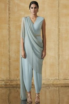 Dhoti Jumpsuit With Saree Drape Highlighted With Hand Embroidered Brooch On Shoulder And Pearl Drops Style Code : Dhoti Saree, Drape Sarees, Lehenga, Indian Bridal Fashion, Indian Wedding Outfits, Indian Outfits, Modern Saree, Tarun Tahiliani, Mom Dress