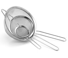 Fine Mesh Stainless Steel Strainers All Purpose Food Strainer and Colander Sieve for Superior Baking and Cooking Preparation - 3 Pack 3 Pack Large Cocina Shabby Chic, Tea Strainer, Kitchen Tools And Gadgets, Kitchen Supplies, Cooking Gadgets, Cooking Stuff, Baking Supplies, Cooking Tools, Puertas