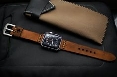 Change any watch strap you like to fit your new Apple Watch with Black Forest Atelier Straps and Apple Watch Adapter A Pair of Shining Silver Lugs Best Apple Watch, Apple Watch Bands, Cool Watches, Watches For Men, Apple Watch Space Grey, Collor, Brown Band, Leather Watch Bands, Vintage Leather