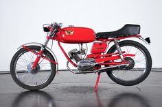 Classic Motors For Sale has classic cars for sale plus a selection of vintage cars from dealers and auctions in UK, US, and Europe. Classic Motors, Classic Cars, Super Sport, Sport Bikes, Fast Cars, Bobber, Cars And Motorcycles, Motorbikes, Cars For Sale