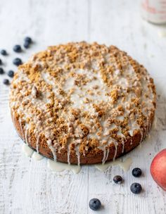 Blueberry peach coffee cake is perfect for summer! Like a giant blueberry muffin studded with peaches, topped with crumb and vanilla icing. Ideal for breakfast, dessert or an afternoon snack. Homemade Desserts, Best Dessert Recipes, Fruit Recipes, Fun Desserts, Delicious Desserts, Peach Cobbler Bars, Peach Coffee Cakes, Brownie Ice Cream, Breakfast Cake