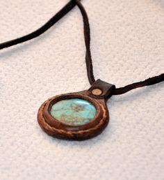 Turquoise Gemstone Necklace Handmade Leather por ForGoodPeople