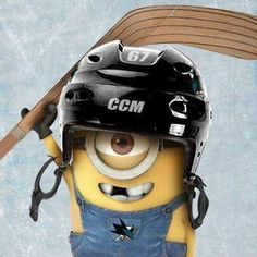 Minion playing hockey, I know he's a Pens fan! Bruins Hockey, Hockey Mom, Hockey Teams, Hockey Stuff, Funny Hockey, Hockey Logos, Hockey Puck, Hockey Girls, Field Hockey