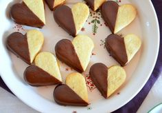 Wachau hearts on plate summer recipes summer recipes abendessen rezepte recipes recipes dessert recipes dinner Bread Recipes, Keto Recipes, Cake Recipes, Summer Desserts, Summer Recipes, Caramel Mud Cake, Free Fruit, Easter Dinner, Food Cakes