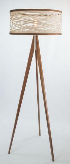 Wind It Up: Sinuous Lighting by Papay Designs in home furnishings Category (zuiver tripod achtige lamp) Orange Floor Lamps, White Floor Lamp, Modern Floor Lamps, Black Floor, Diy Luminaire, Diy Lampe, Luminaire Design, Deco Orange, Lampe Retro