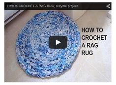 How to CROCHET A RAG RUG, recycle project. With a large crochet hook, you can use up old sheets to make a rag rug. Diy Crochet Rag Rug, Crochet Rug Patterns, Crochet Home, Crochet Crafts, Knitting Patterns, Rag Rug Tutorial, Tutorial Crochet, Diy Tutorial, Braided Rag Rugs