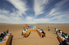 #ArnaudContreras   Un genre de conseil des Ministres en #Mongolie #photo #photographie #photographer #photography #photographe #OlivierOrtion