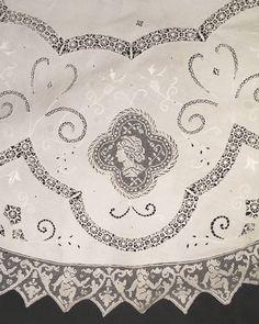 Victorian Round Linen Tablecloth 74 ITALIAN от OpulentTextiles
