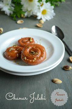 Spicy Treats: Bengali Chanar Jalebi / Paneer Jalebi / Paneer Sweets North Indian Recipes, South Indian Food, Indian Food Recipes, Cheesecake Deserts, Cheesecake Recipes, Easy Baking Recipes, Cooking Recipes, Sweet Cookies, Indian Sweets