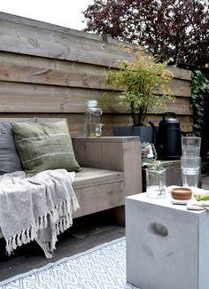 Een kijkje in de tuin: nieuwe bijzettafel via fonQ.nl // photography and styling by Milou Nieuwenhuis