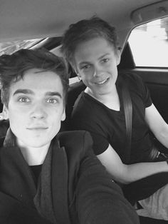 Joe Sugg and Caspar Lee Pewdiepie, Markiplier, Caspar Lee, Joe Sugg, British Youtubers, Best Youtubers, Jack And Conor Maynard, Buttercream Squad, Sugg Life