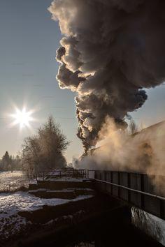 Winterdampf mit 52 8080-5 rund um Horka. Der Nachschuß wurde kurz nach Hähnichen in Richtung Horka aufgenommen.  Winter steam with 52 8080-5 around Horka. The photo was made after leaving Hähnichen heading to Horka.