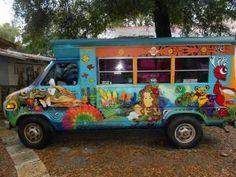 Oooooo pretty bus.
