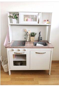 IKEA duktig hack Like the mini plants Ikea Toy Kitchen Hack, Diy Play Kitchen, Mini Kitchen, Play Kitchens, Kitchen Pics, Open Kitchens, Ikea Toys, Childrens Kitchens, Cocina Diy