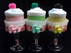 Champagne Diaper Cake Cupcakes - cute idea for baby shower
