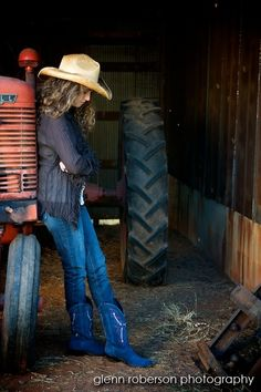 Country senior-pictures cowgirl leaning on tractor in barn Country Senior Pictures, Senior Pictures Sports, Senior Photos, Senior Portraits, Tractor Senior Pictures, Country Poses, Senior Girl Photography, Senior Girl Poses, Senior Girls